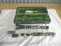 Vintage C.G.Conn Eagle Trademark Logo Clarinet w/Mouthpiece & Original Case