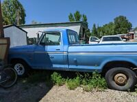 F-250 Ford Camper Special 1973 Truck  for Sale !!