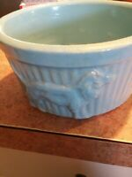 ROSEVILLE DOG BOWL DOGS EMBOSSED NEVER USED R R P CO OHIO BLUE