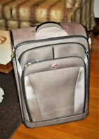 American Tourister Luggage Upright Suitcase Wheels Handle Brown Carry On CLEAN