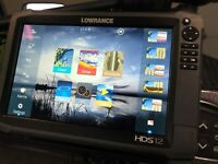 Lowrance HDS 12 Touch Insight GEN 3 GPS / Fish finder with Total Scan Transduce