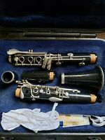 Selmer 1401 clarinet, pre-owned, great condition, great sound! Case included.