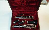 (A)(M-2672) Armstrong Clarinet in Red Velvet Hard Case