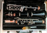 VINTAGE BUNDY RESONITE THE SELMER COMPANY CLARINET WITH CASE