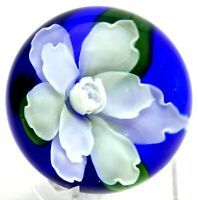 HUGE Beautiful SALAZAR White GARDENIA FLOWER Lundberg Art Glass PAPERWEIGHT 3.6