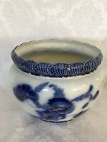"""Large Flow Blue Jardiniere. Beatifully Decorated, Great Condition 10.5"""" Tall"""