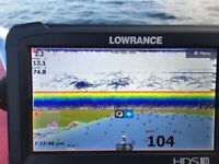 lowrance fish finder hds 9 CARBON