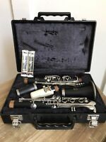 Yamaha YCL-34 Wooden Intermediate Model Clarinet W/ Hard case + Mouthpiece