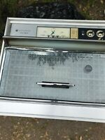 Vintage 1961 Frigidaire Flair Built-In Wall Oven.  SC-58104. Local pick-up only