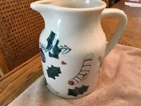 HARTSTONE Pottery CHRISTMAS TRADITIONS large Pitcher 2 qt holly gingerbread 1990