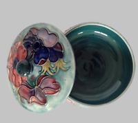 MOORCROFT POTTERY COVERED DISH / BOWL W/ LID- BRIGHT COLORS-EXCELLENT-NO RSERVE-