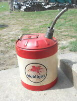 MOBIL OIL COMPANY GAS CAN PEGAGUS LOGO VINTAGE 5 GALLON METAL GASOLINE CAN