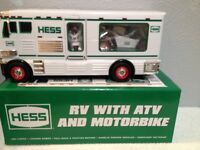 HESS TOY TRUCK  RV WITH ATV AND MOTORBIKE 2018 HOLIDAY EDITION NIB