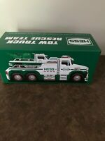 Hess 2019 White Toy Tow Truck With Green Trim - New In Unopened Box!