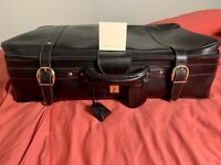 Gucci Black Leather Large Suitcase Vintage With Gold Plated Hardware Italy