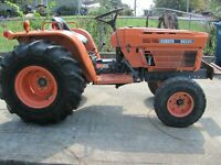 Kubota B8200 2WD 334 Hours Very Good Condition Ready To Use Needs Nothing