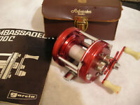Minty Abu Ambassadeur 3-Screw Vintage 5000 In Case Reel  NICE!!!