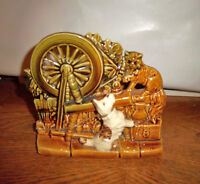 McCOY - CAT & DOG AT THE SPINNING WHEEL PLANTER