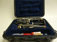 Selmer 1401 Clarinet with hard case, very good condition