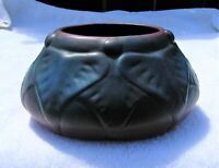 VAN BRIGGLE POTTERY (LATE TEENS/EARLY 20's) #858 MULBERRY GLAZE