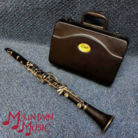 ETUDE Bb STUDENT CLARINET IN PRISTINE CONDITION. USED 3 TIMES!