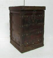 Vintage Old Box Wooden Iron Fitted Vintage Storage Box Collectible