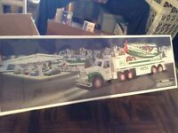 2002 Hess toy truck w/airplane