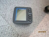 LOWRANCE X52 FISH FINDER AND SONAR UNIT WITH RAM MOUNT