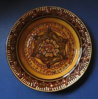 LARGE SLIPWARE POTTERY DISH BY PAUL SPENCE - DATED 1985 - STUDIO POTTERY