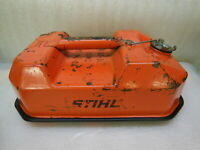 old STIHL 1984 USMC Blitz 1 1/2 Gallon / 5.7 Liters GAS CAN with attached Cap