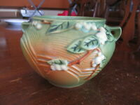 ROSEVILLE POTTERY SNOWBERRY with GREEN & BROWN SOFT GLAZE - 1J-4