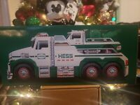 HESS 2019 HOLIDAY TOY TOW TRUCK -NEW IN BOX