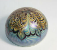 1976 ORIENT & FLUME Paperweight Iridescant Art Glass Blue Gold Pulled Feather