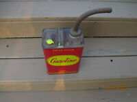 VTG. METAL ONE GALLON GAS CAN WITH SPOUT-DELPHOS, OHIO