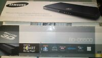 Smart Samsung BD D5500 3D Blu ray and DVD Disc Player READ LISTING $70.00