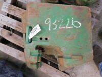 John Deere front 100 lb. suitcase weight Part #R58823 Tag #93226