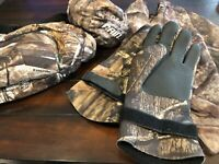 Camo Hunting Clothing: muff, face shield, waterproof pants, waterproof gloves
