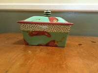 VINTAGE, HAND MADE AND PAINTED DROLL DESIGNS BUTTER BOX (SAMPLE PIECE)