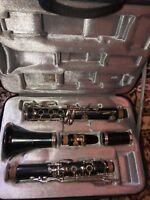 Vito Bb Soprano Clarinet w/ Purple Case, Extra Mouth Piece, and Cleaning Kit