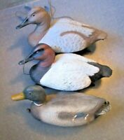 1998 Flambeau  Magnum Canvasback Duck Decoy Working Pair with Collars