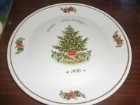 Syracuse 1981 Christmas Platter Tray Adorned With Christmas Scenery 10.5