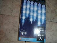 Gemmy Lightshow 8 Shooting Star Blue & White LED Christmas Icicle Lights 116707