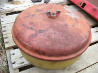 VINTAGE  MASSEY FERGUSON  1100 D  TRACTOR -AIR CLEANER CAP ASSEMBLY
