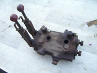 VINTAGE  MASSEY FERGUSON  65 GAS TRACTOR -HYDRAULIC VALVE & LEVERS -1959