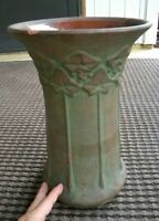 Vintage PETERS AND REED Large Art Pottery Vase - MOSS AZTEC - IVY PATTERN