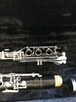 Signet Signet Soloist Wood Clarinet Refurbished. Oversized Case. Semi pro level