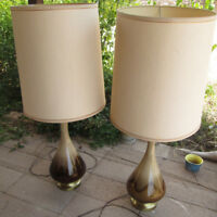 Vintage Mid Century Modern Drip Glaze Pottery Table Lamp Brown Tan Haeger Style