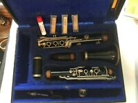 Normandy Reso-Tone Clarinet With 2V Mouth Piece In Bruce Hard Case