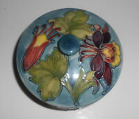 Moorcroft Columbine Pottery Covered Bowl Dish Powder Dresser Jar Vintage