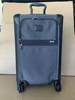 Tumi Alpha 2 International Carry-On 4 Wheel Spinner Black Pewter Luggage 22060